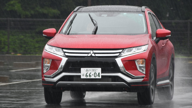 <span class='fc_blue'>三菱 エクリプス クロス<br> MITSUBISHI ECLIPSE CROSS</span>