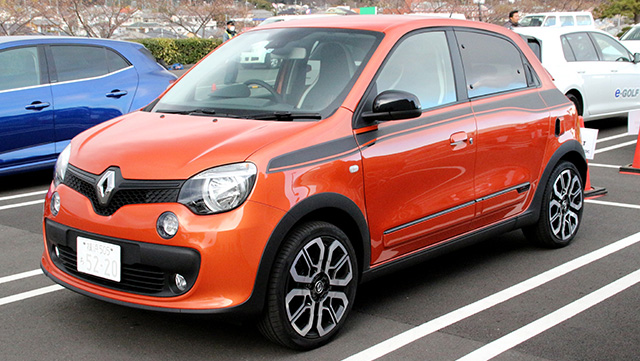 <span class='fc_blue'> ルノートゥインゴGT</span><br>Renault TWINGO GT