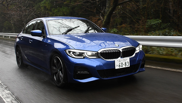 <span class='fc_blue'>ビーエムダブリュー 330i M Sport <br> BMW 330i M Sport</span>