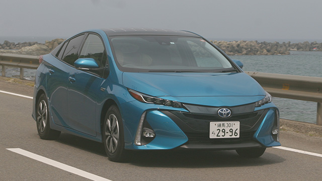 <span class='fc_blue'>トヨタ プリウスPHV</span><br>TOYOTA  PRIUS PHV